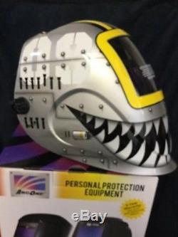 ArcOne Python 5000V Fighting Tiger Auto Darkening Welding Helmet 5000V-1171