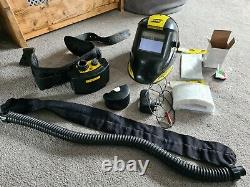 Esab welding helmet with air feed system