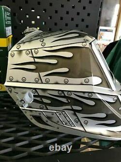 Miller Classic Series Auto-Darkening Welding Helmet Metalworks 271346
