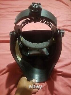 Snap on skull welding helmet